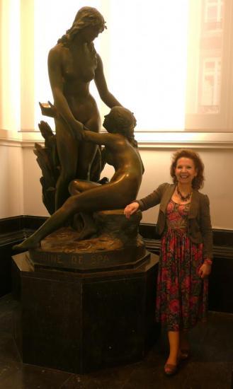 Jolie statue dans la salle Pouhon de Spa découverte ce 4 mai 2013.