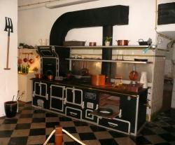 13 fourneau cuisine sous sol